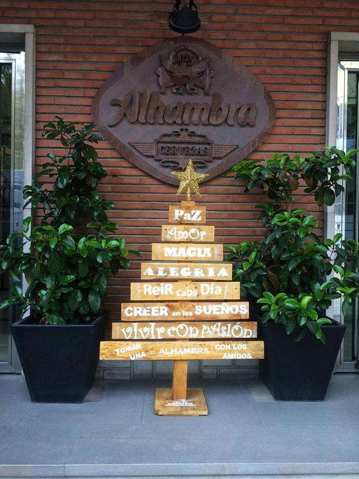 árbol de navidad cervezas Alhambra