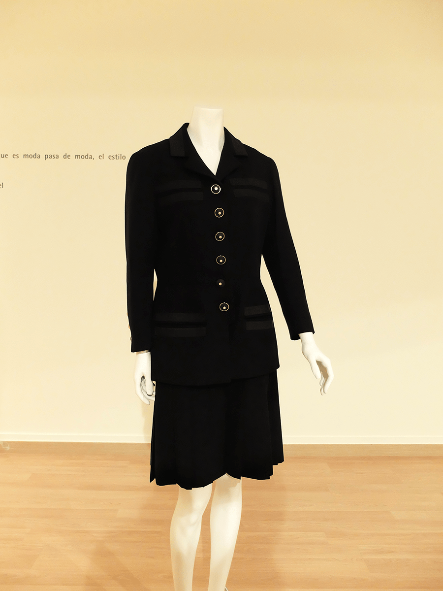 vestidos de Coco Chanel Exposición Cajagranada