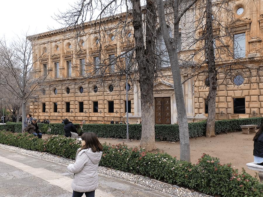 exterior Palacio Carlos V
