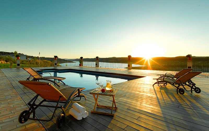 piscina hotel alcanacia