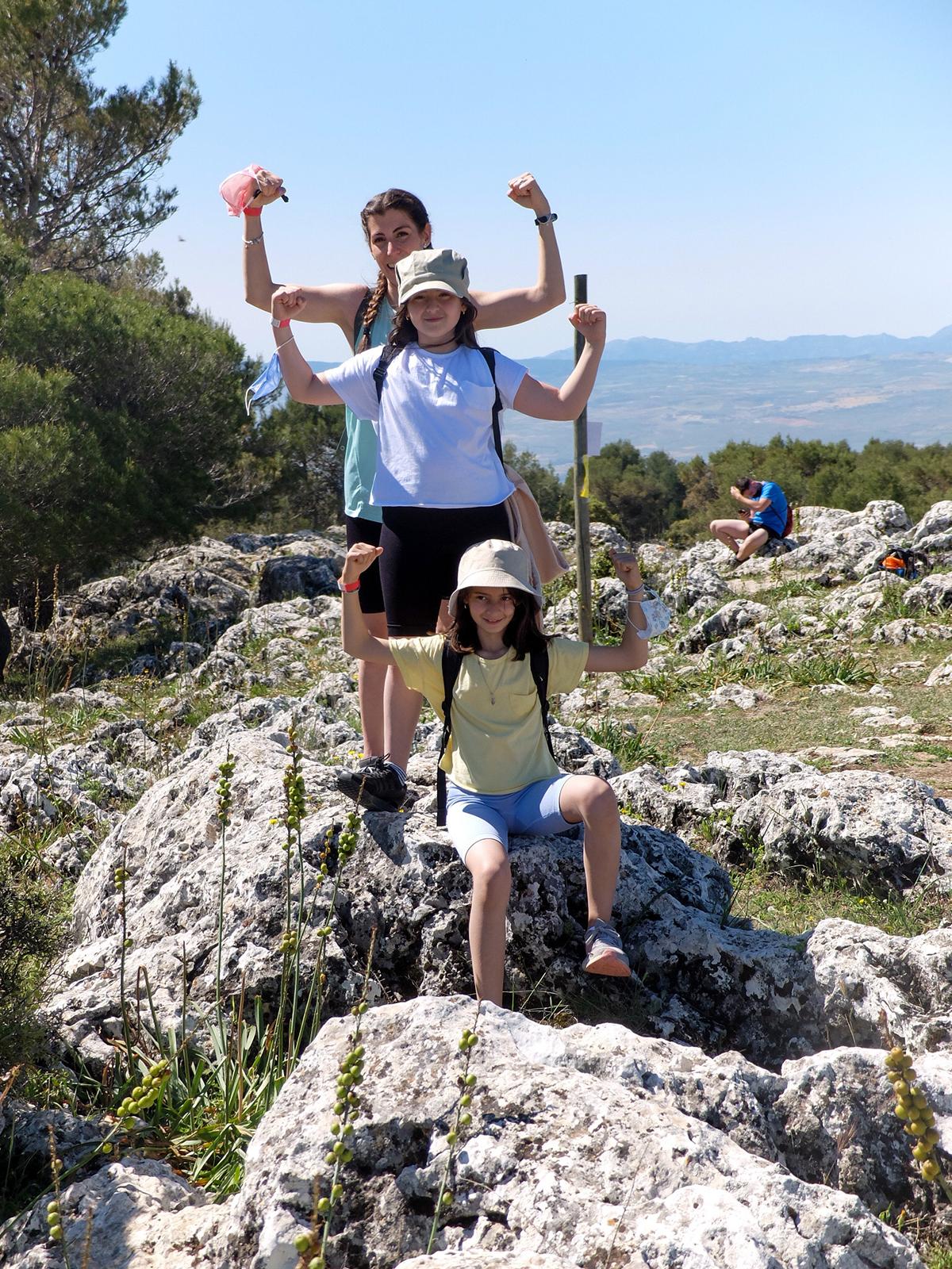 beneficios-senderismo-niños-Granada
