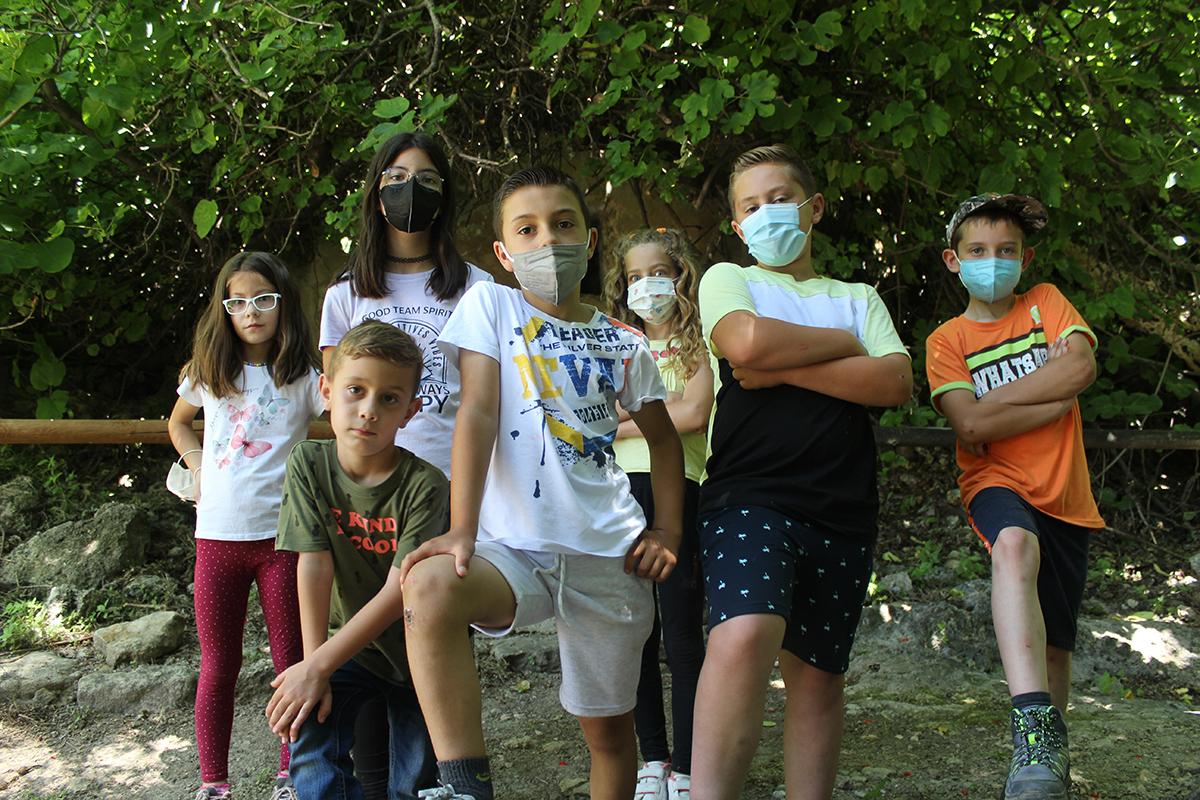niños y niñas De Fuentes de Cesna